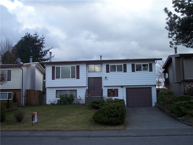 "Main Photo: 32098 AUSTIN Avenue in Abbotsford: Abbotsford West House for sale in ""FAIRFIELD"" : MLS® # F1404394"