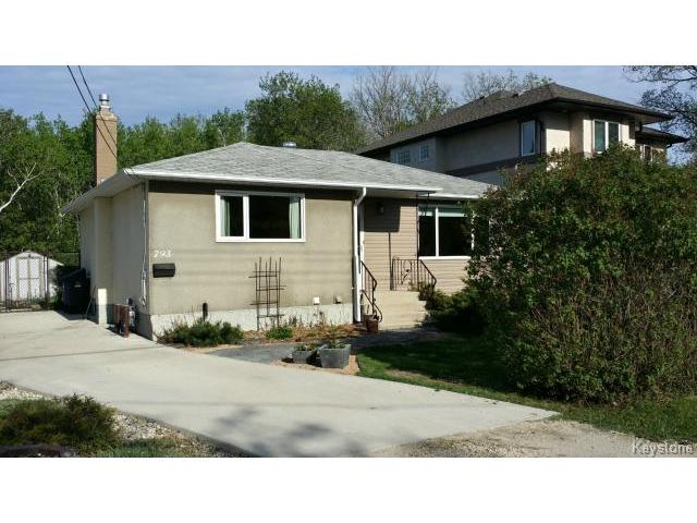 Main Photo: 793 Charleswood Road in WINNIPEG: Charleswood Residential for sale (South Winnipeg)  : MLS® # 1412671