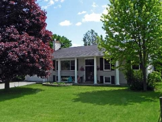Main Photo: 7 Campbell Road: Orangeville House (Bungalow) for sale : MLS® # W2929596
