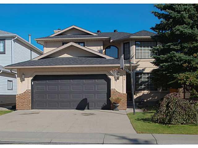 Main Photo: 34 SUNVISTA Crescent SE in Calgary: Sundance Residential Detached Single Family for sale : MLS® # C3636190