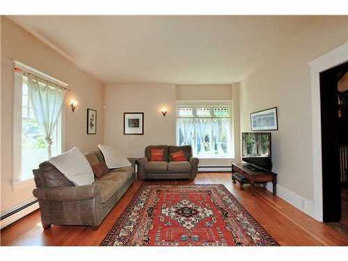 Photo 5: 2590 2ND Ave W in Vancouver West: Kitsilano Home for sale ()  : MLS(r) # V950233