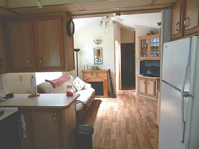 "Photo 5: 56 2170 PORT MELLON Highway in Gibsons: Gibsons & Area Manufactured Home for sale in ""Langdale Heights RV Park & Par 3 Golf Resort"" (Sunshine Coast)  : MLS(r) # V1134753"