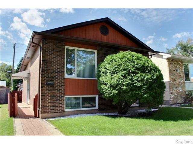 Main Photo: 384 Hampton Street in WINNIPEG: St James Residential for sale (West Winnipeg)  : MLS® # 1523118