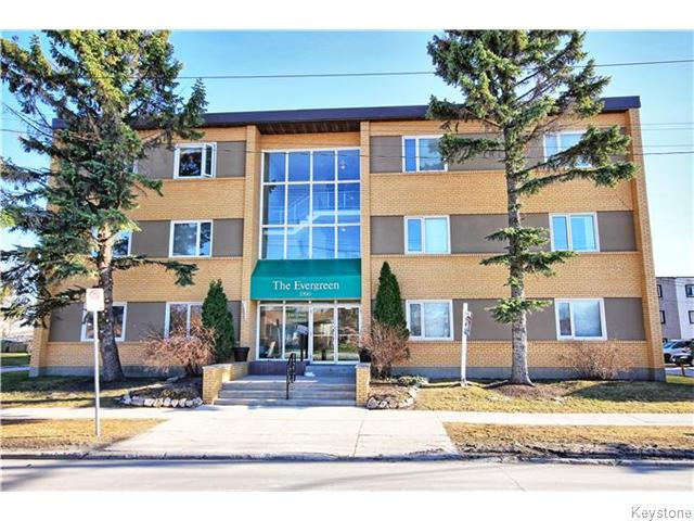 Main Photo: 1700 Taylor Avenue in Winnipeg: River Heights / Tuxedo / Linden Woods Condominium for sale (South Winnipeg)  : MLS(r) # 1530784