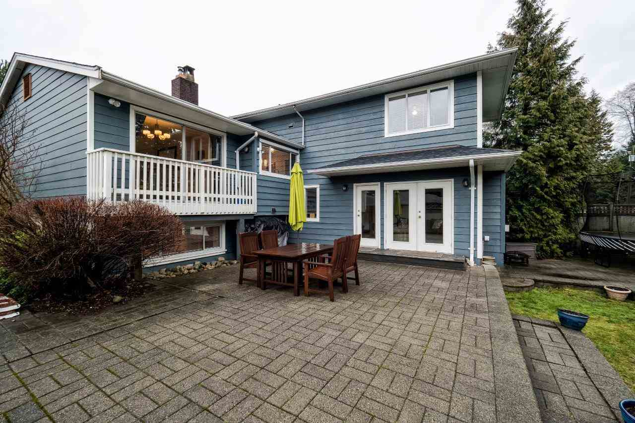 Photo 18: 2870 LYNDENE Road in North Vancouver: Capilano NV House for sale : MLS® # R2034832
