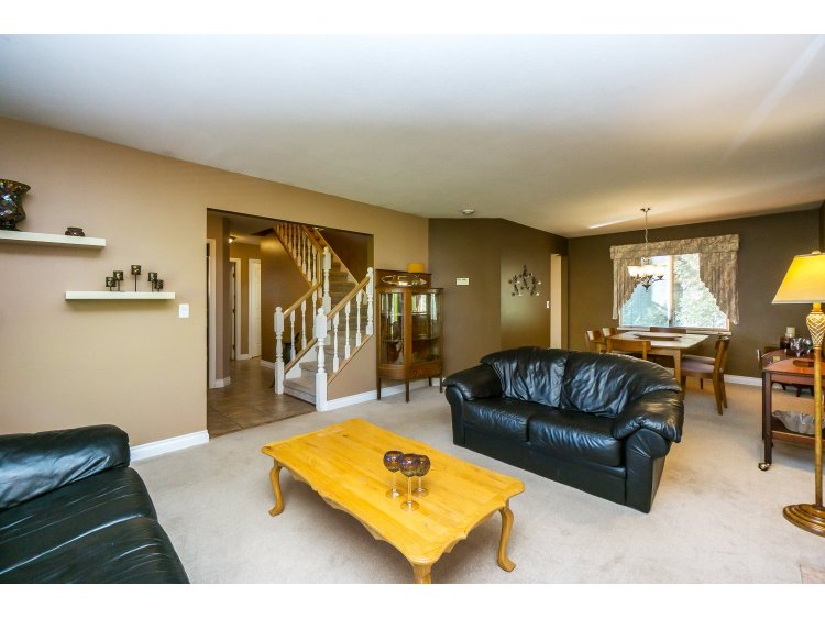 Photo 4: 7757 143 Street in Surrey: East Newton House for sale : MLS(r) # R2037057