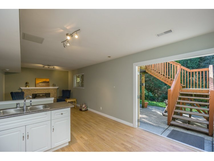 Photo 33: 7757 143 Street in Surrey: East Newton House for sale : MLS(r) # R2037057
