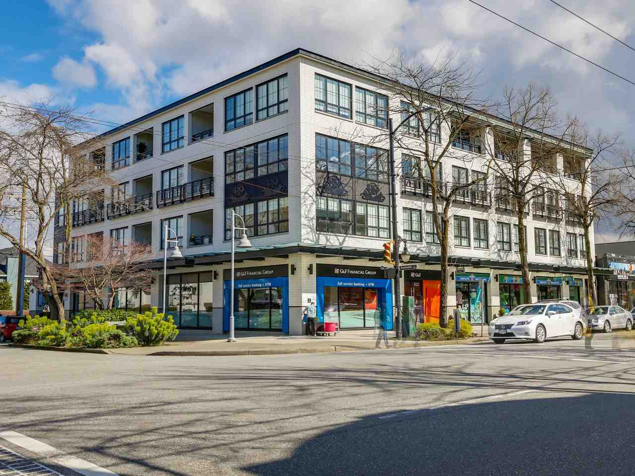 "Main Photo: PH3 2468 BAYSWATER Street in Vancouver: Kitsilano Condo for sale in ""BAYSWATER BY  MOSACI"" (Vancouver West)  : MLS® # R2050432"