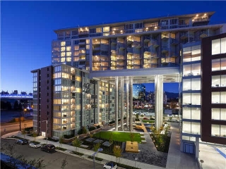 "Main Photo: 103 1618 QUEBEC Street in Vancouver: Mount Pleasant VE Condo for sale in ""CENTRAL"" (Vancouver East)  : MLS(r) # R2150033"