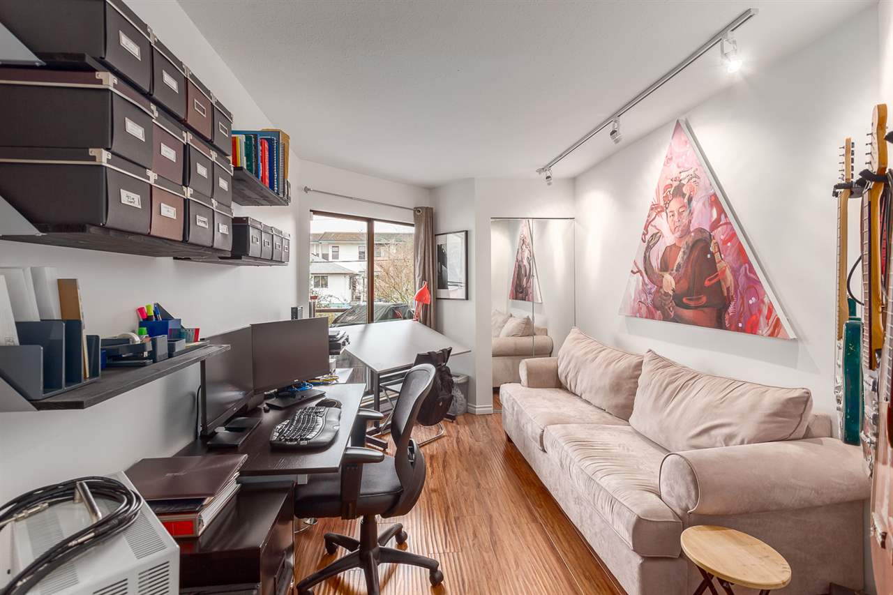 "Photo 14: 219 2222 PRINCE EDWARD Street in Vancouver: Mount Pleasant VE Condo for sale in ""SUNRISE ON THE PARK"" (Vancouver East)  : MLS® # R2150111"