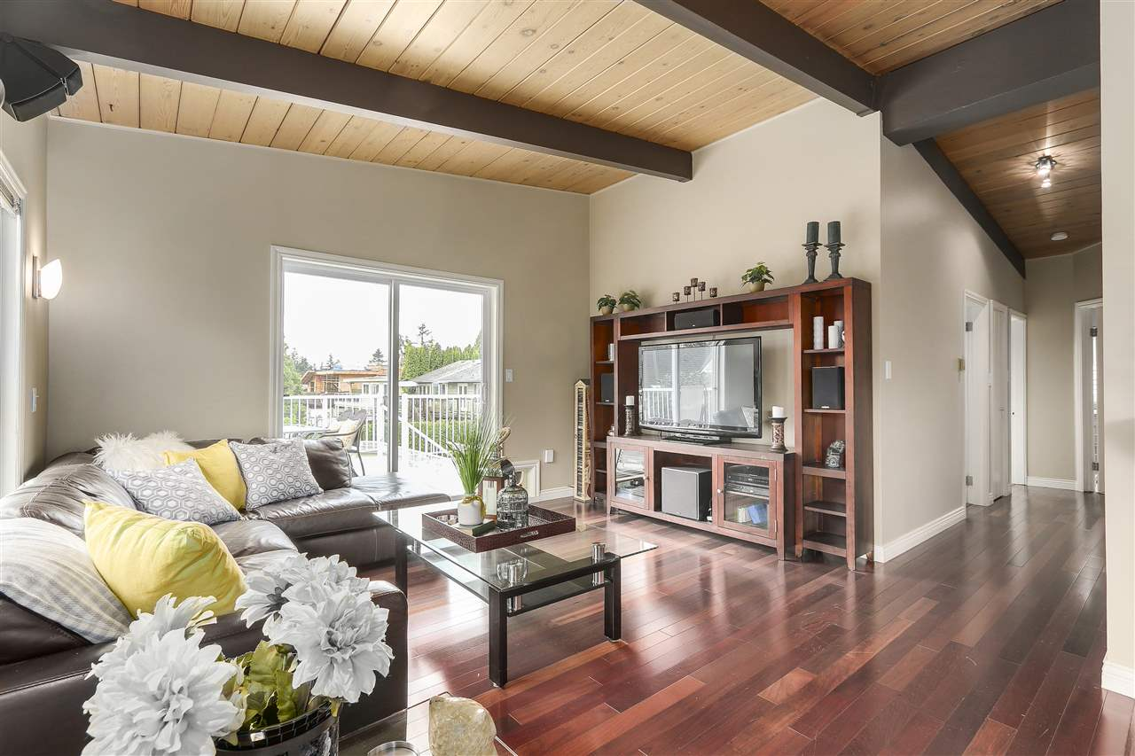 Photo 9: 4135 GOLF Drive in North Vancouver: Dollarton House for sale : MLS® # R2166776