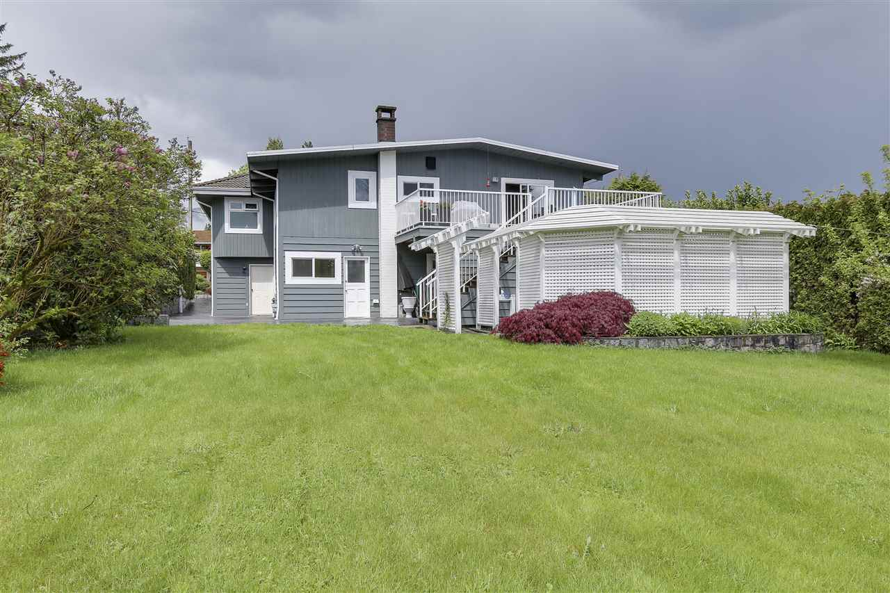 Photo 20: 4135 GOLF Drive in North Vancouver: Dollarton House for sale : MLS® # R2166776