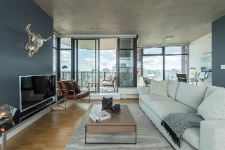 "Main Photo: 2906 128 W CORDOVA Street in Vancouver: Downtown VW Condo for sale in ""WOODWARD'S"" (Vancouver West)  : MLS(r) # R2167108"