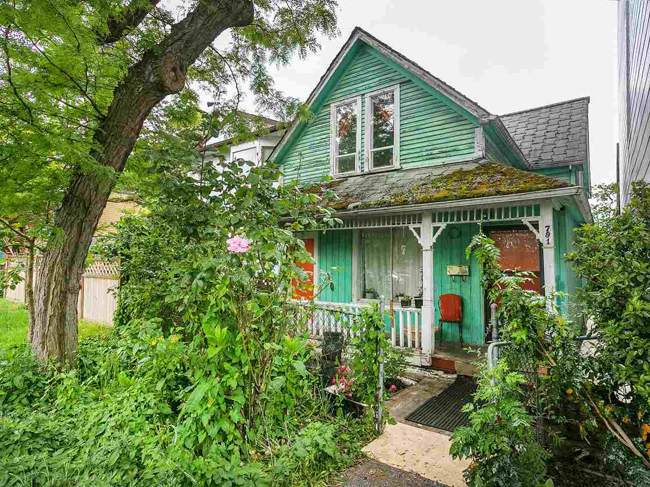 Main Photo: 791 KEEFER Street in Vancouver: Mount Pleasant VE House for sale (Vancouver East)  : MLS(r) # R2172392