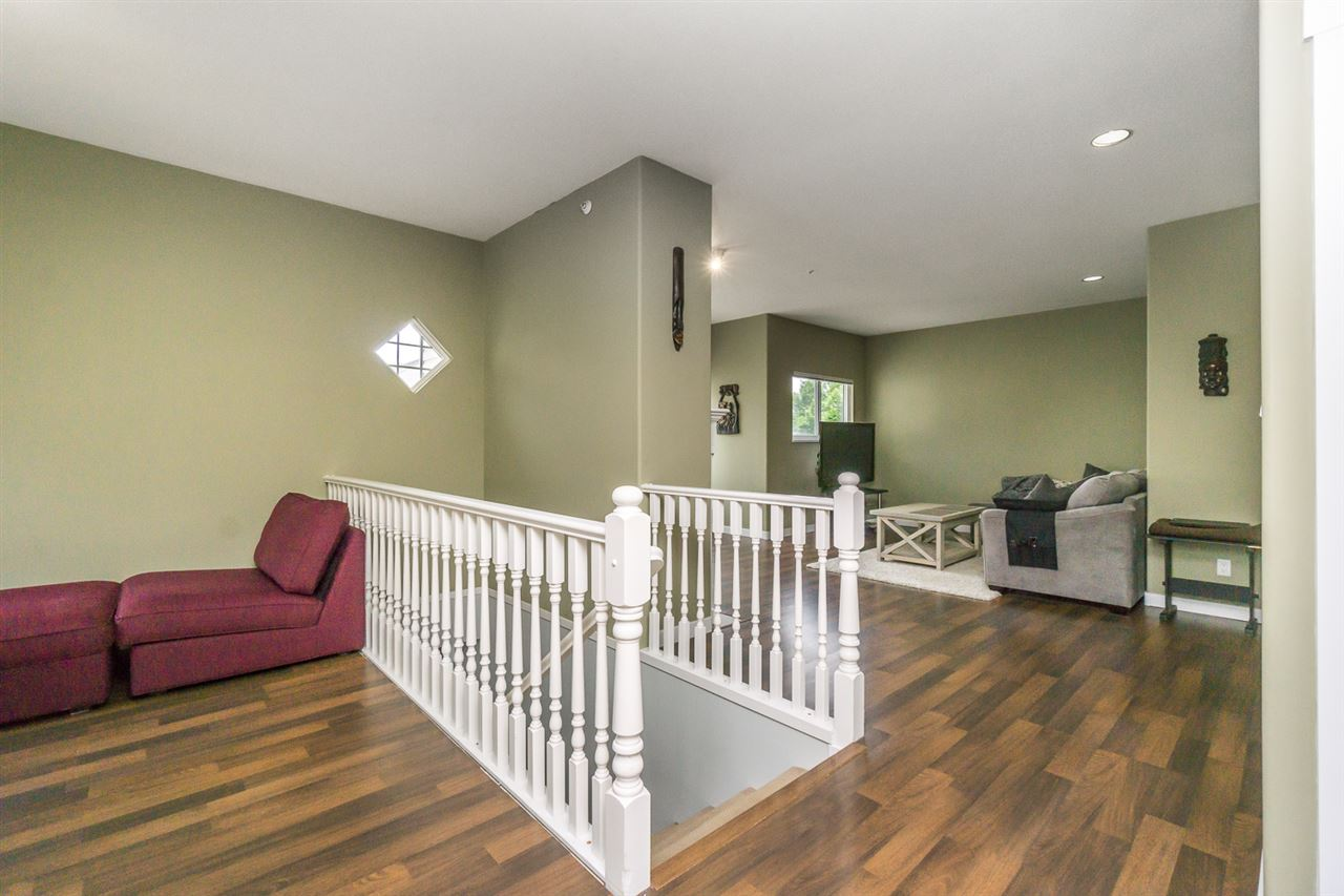 "Photo 9: 11 21579 88B Avenue in Langley: Walnut Grove Townhouse for sale in ""CARRIAGE PARK"" : MLS(r) # R2177393"