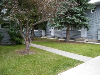 Main Photo: 48 4403 RIVERBEND Road in Edmonton: Zone 14 Townhouse for sale : MLS(r) # E4071716