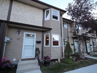 Main Photo: 17 10453 20 Avenue in Edmonton: Zone 16 Townhouse for sale : MLS® # E4071831