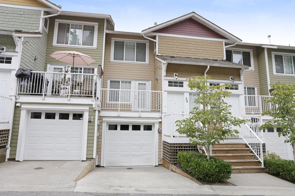 "Main Photo: 30 6110 138 Street in Surrey: Sullivan Station Townhouse for sale in ""Seneca Woods"" : MLS® # R2201678"