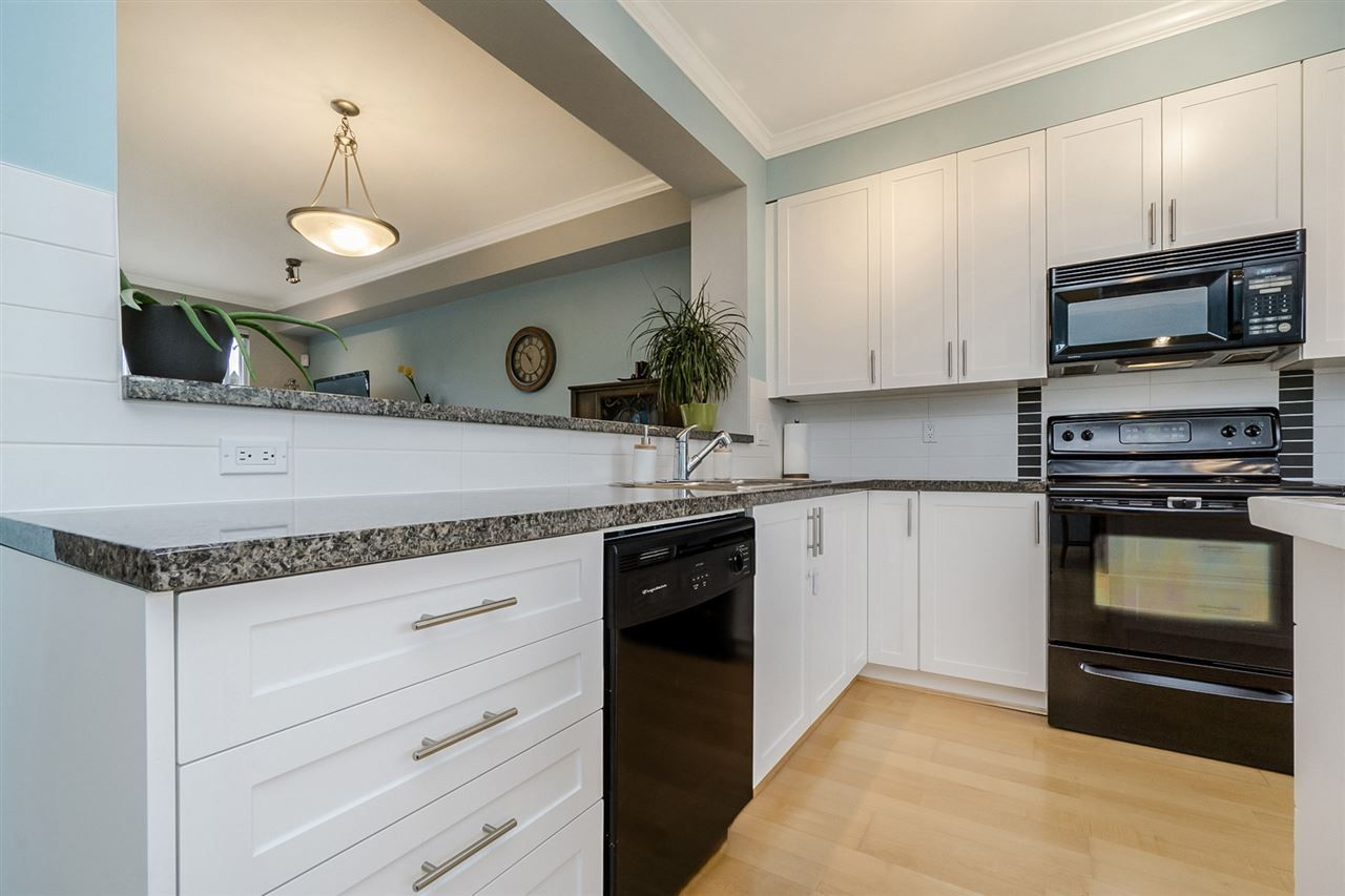 "Photo 6: Photos: 52 7155 189 Street in Surrey: Clayton Townhouse for sale in ""BACARA"" (Cloverdale)  : MLS® # R2219977"