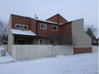 Main Photo: 217 KASKITAYO Crest NW in Edmonton: Zone 16 Townhouse for sale : MLS® # E4092737