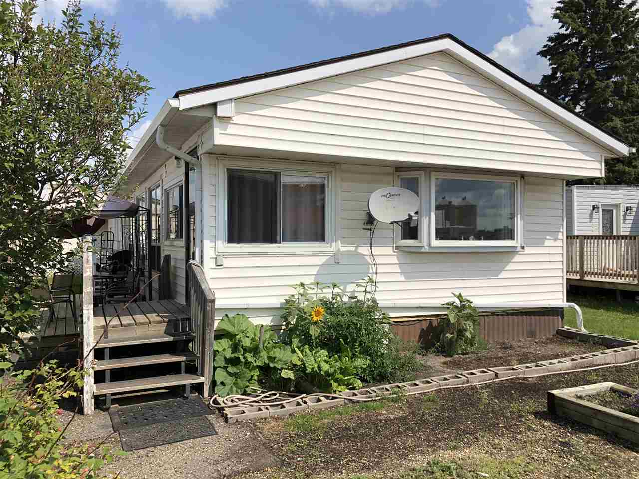 Main Photo: 4 10808 101 Street: Westlock Mobile for sale : MLS®# E4093737