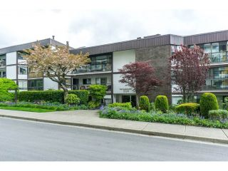 "Main Photo: 102 1520 VIDAL Street: White Rock Condo for sale in ""The Sandhurst"" (South Surrey White Rock)  : MLS®# R2262807"