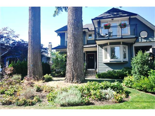Main Photo: 3115 SUNNYHURST Road in North Vancouver: Lynn Valley House Duplex for sale : MLS® # V972799