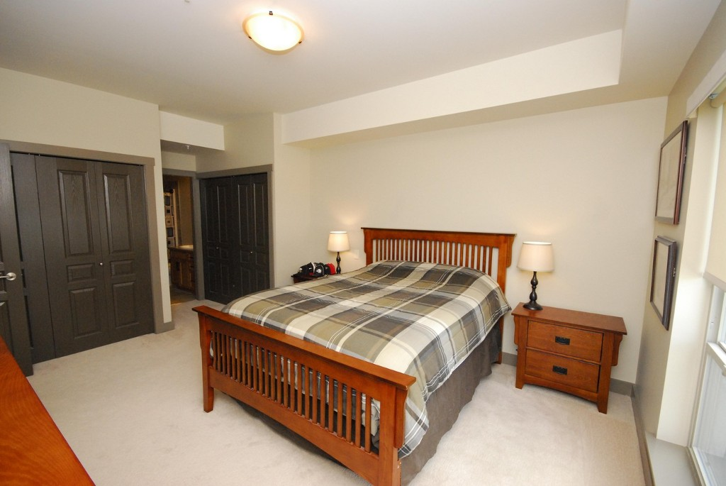 Photo 3: 203 873 Forestbrook Drive in Penticton: Main North Multifamily for sale : MLS(r) # 142499