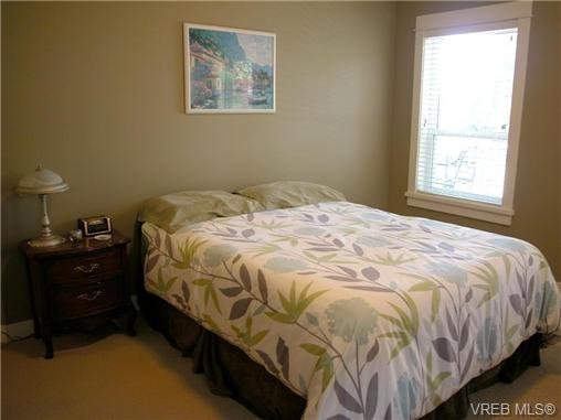 Photo 7: 51 DeGoutiere Place in VICTORIA: VR Six Mile Residential for sale (View Royal)  : MLS(r) # 326600