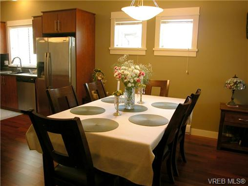 Photo 5: 51 DeGoutiere Place in VICTORIA: VR Six Mile Residential for sale (View Royal)  : MLS(r) # 326600