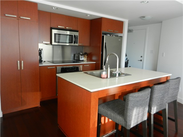 "Photo 2: 1806 1255 SEYMOUR Street in Vancouver: Downtown VW Condo for sale in ""ELAN"" (Vancouver West)  : MLS® # V1056105"