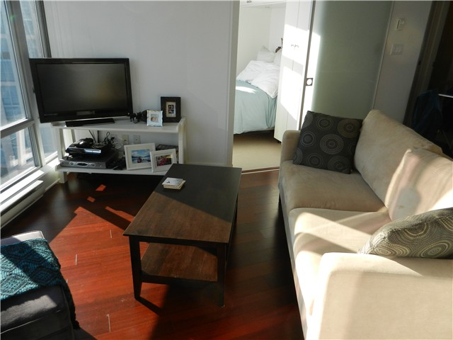 "Photo 3: 1806 1255 SEYMOUR Street in Vancouver: Downtown VW Condo for sale in ""ELAN"" (Vancouver West)  : MLS® # V1056105"