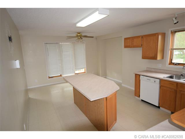 Photo 4: 5126 Norfolk Avenue in Coronation: PE Coronation Residential for sale (Paintearth County)  : MLS® # CA0062698