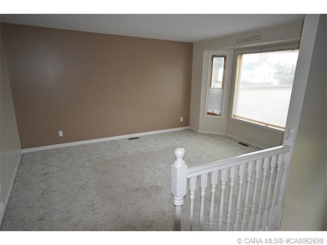 Photo 3: 5126 Norfolk Avenue in Coronation: PE Coronation Residential for sale (Paintearth County)  : MLS® # CA0062698