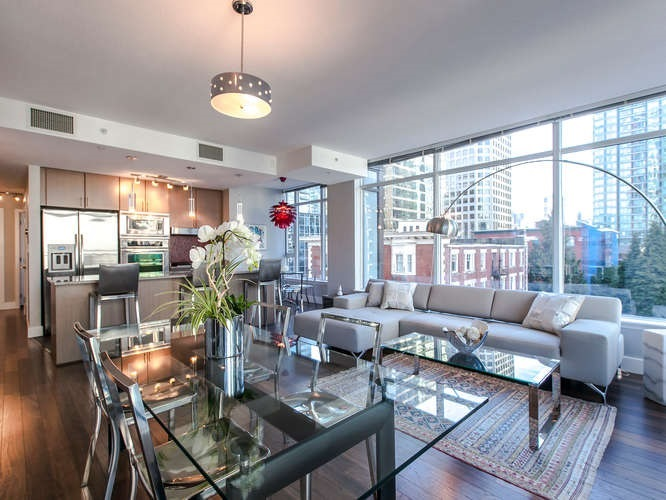 "Main Photo: 703 1211 MELVILLE Street in Vancouver: Coal Harbour Condo for sale in ""THE RITZ"" (Vancouver West)  : MLS® # R2011675"