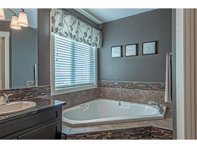 Photo 31: 12 ROCKFORD Terrace NW in Calgary: Rocky Ridge House for sale : MLS® # C4050751