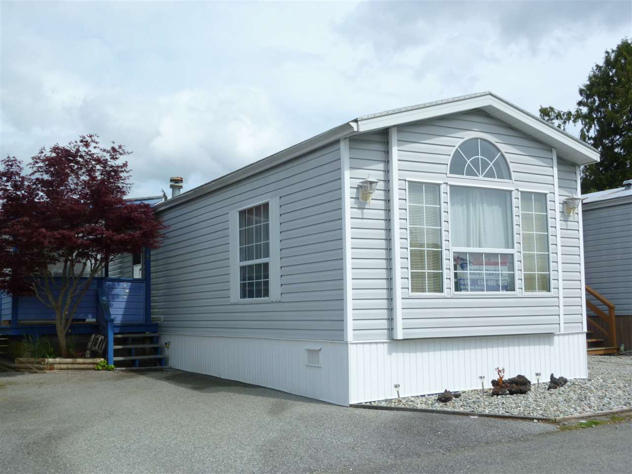 "Main Photo:  in Sechelt: Sechelt District Manufactured Home for sale in ""MASON RD MOBILE HOME PARK"" (Sunshine Coast)  : MLS(r) # R2056997"