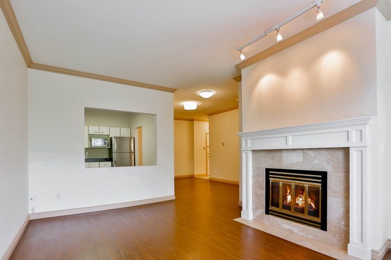 Photo 4: 302 6688 BURLINGTON Avenue in Burnaby: Metrotown Condo for sale (Burnaby South)  : MLS® # R2065580