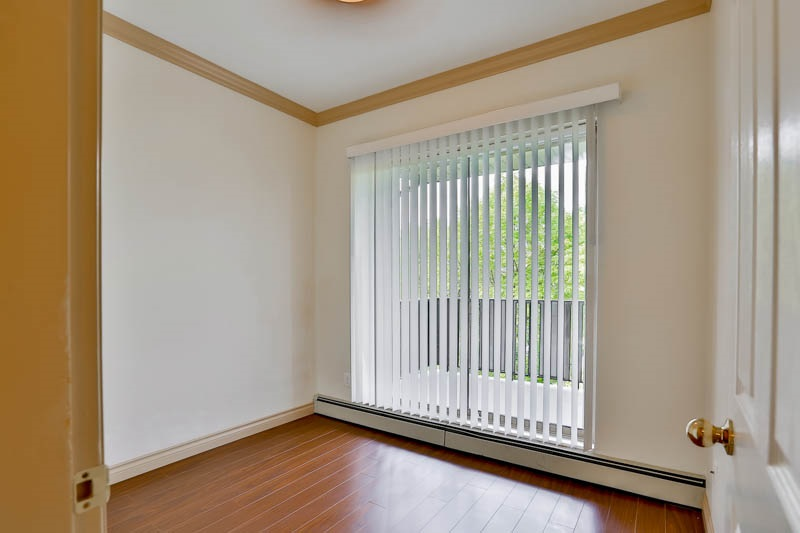 Photo 11: 302 6688 BURLINGTON Avenue in Burnaby: Metrotown Condo for sale (Burnaby South)  : MLS® # R2065580