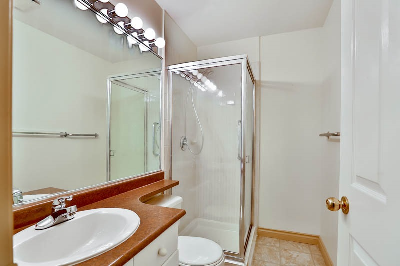 Photo 12: 302 6688 BURLINGTON Avenue in Burnaby: Metrotown Condo for sale (Burnaby South)  : MLS® # R2065580
