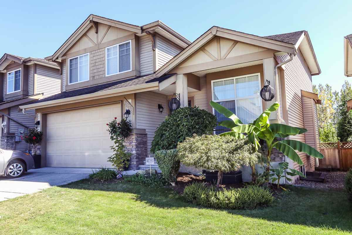 "Main Photo: 6576 207 Street in Langley: Willoughby Heights House for sale in ""Berkshire"" : MLS® # R2120370"