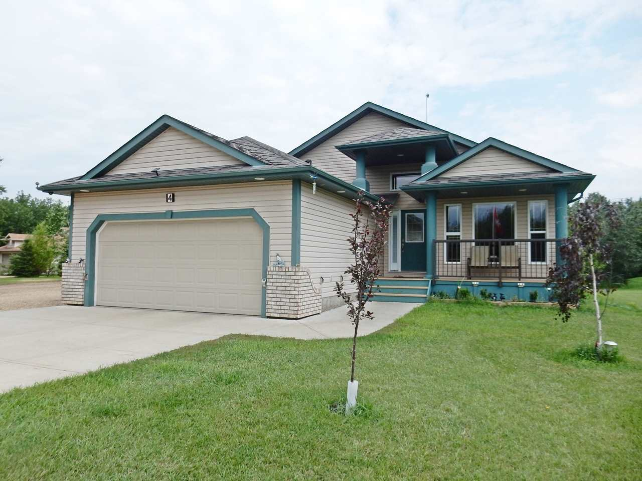 Photo 3: 4 Lost Point Lake Drive: Rural Sturgeon County House for sale : MLS(r) # E4049296