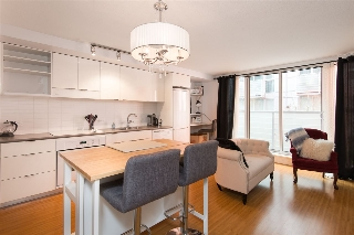 "Main Photo: 315 168 POWELL Street in Vancouver: Downtown VE Condo for sale in ""SMART"" (Vancouver East)  : MLS(r) # R2137034"