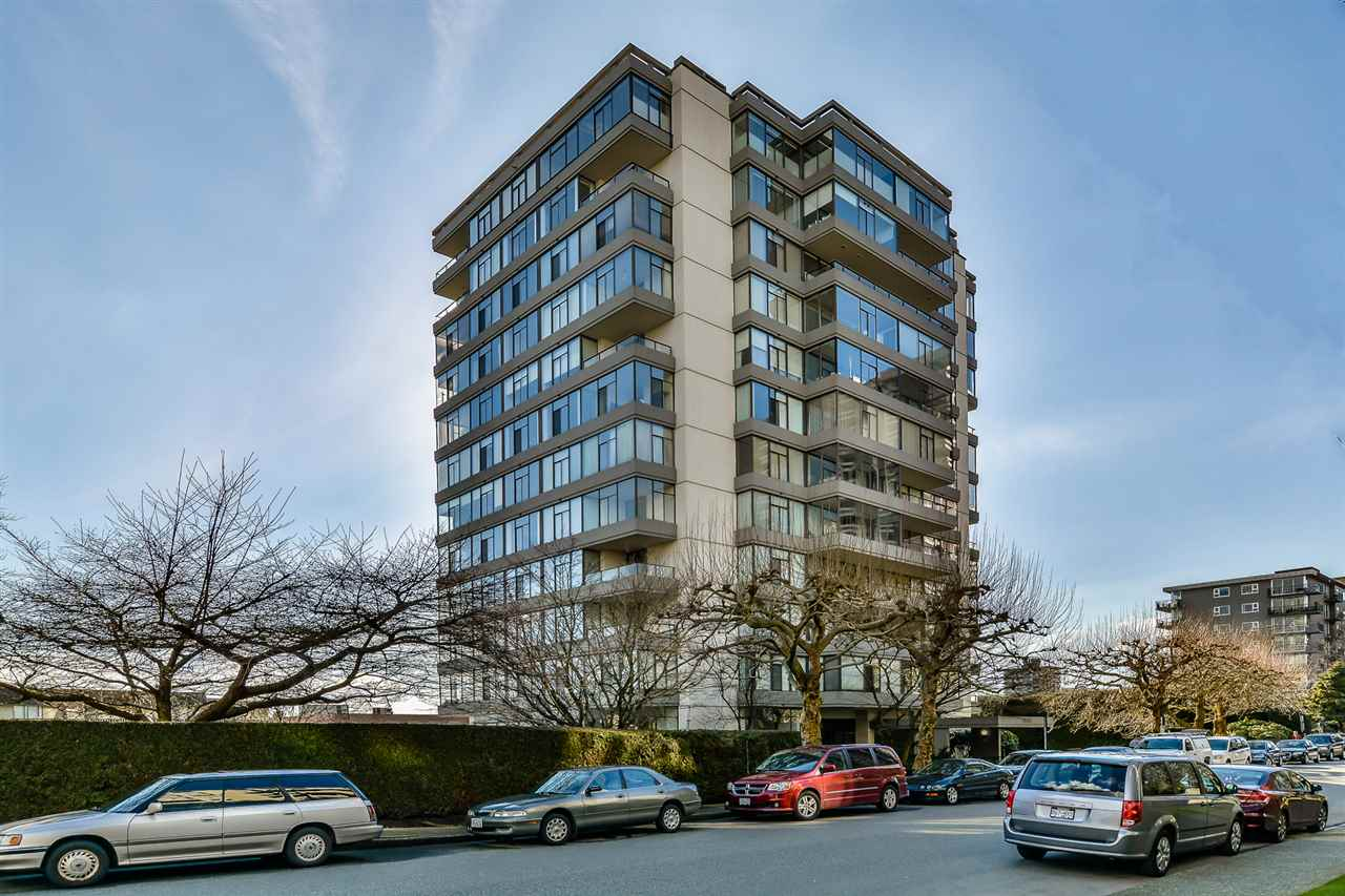 "Main Photo: 802 1480 DUCHESS Avenue in West Vancouver: Ambleside Condo for sale in ""Westerlies"" : MLS®# R2140137"