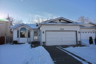 Main Photo: 9320 190A Street NW in Edmonton: Zone 20 House for sale : MLS(r) # E4053839