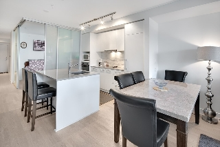 "Main Photo: 202 2468 BAYSWATER Street in Vancouver: Kitsilano Condo for sale in ""Bayswater"" (Vancouver West)  : MLS® # R2161858"