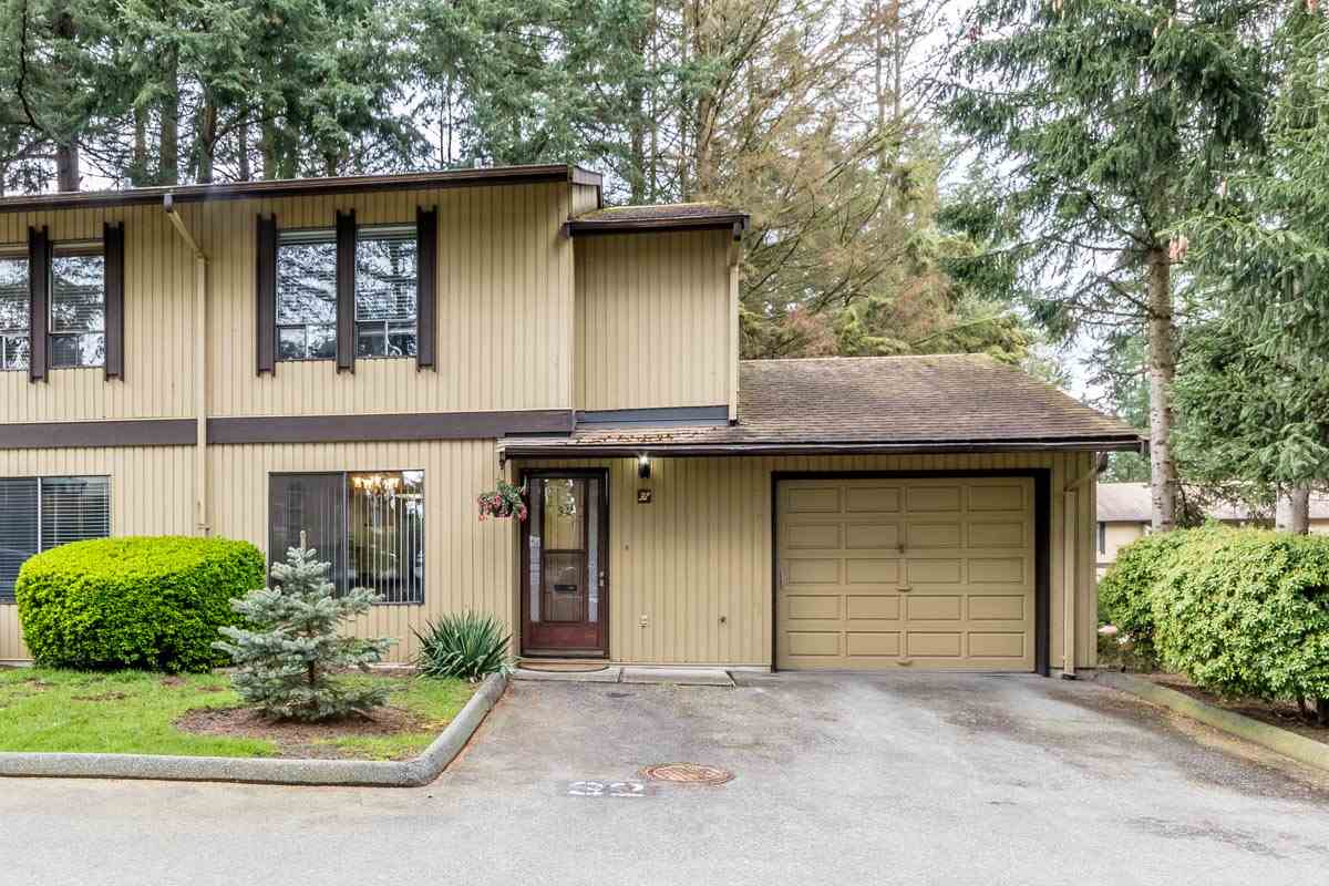 "Main Photo: 32 2998 MOUAT Drive in Abbotsford: Abbotsford West Townhouse for sale in ""Brookside Terrace"" : MLS®# R2162196"