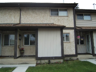 Main Photo:  in Edmonton: Zone 35 Townhouse for sale : MLS(r) # E4068466