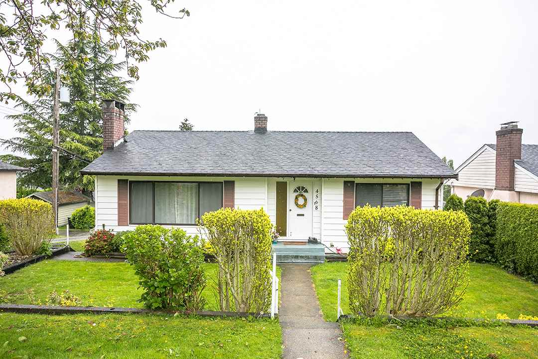 Main Photo: 4568 MCKEE Street in Burnaby: South Slope House for sale (Burnaby South)  : MLS(r) # R2178420