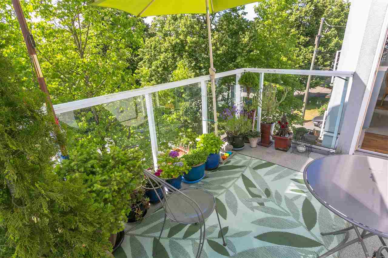 "Photo 19: PH1 8728 SW MARINE Drive in Vancouver: Marpole Condo for sale in ""RIVERVIEW COURT"" (Vancouver West)  : MLS® # R2186634"